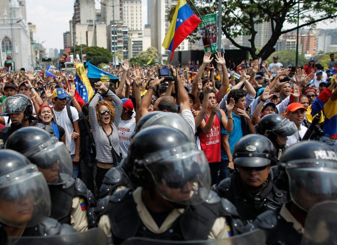 Venezuelan students gather thousands of protesters