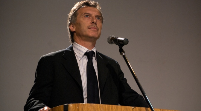 """""""Where you see the enemy, I only see venezuelans"""", said Macri to Maduro"""