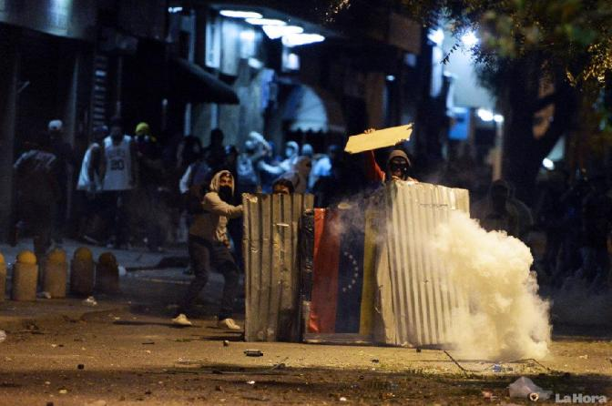 Una rutina diaria de chavismo, caos y telenovelas