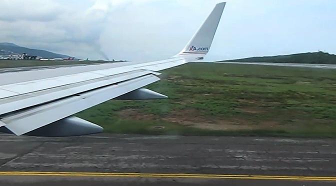 Avión de American Airlines aterrizando en Venezuela
